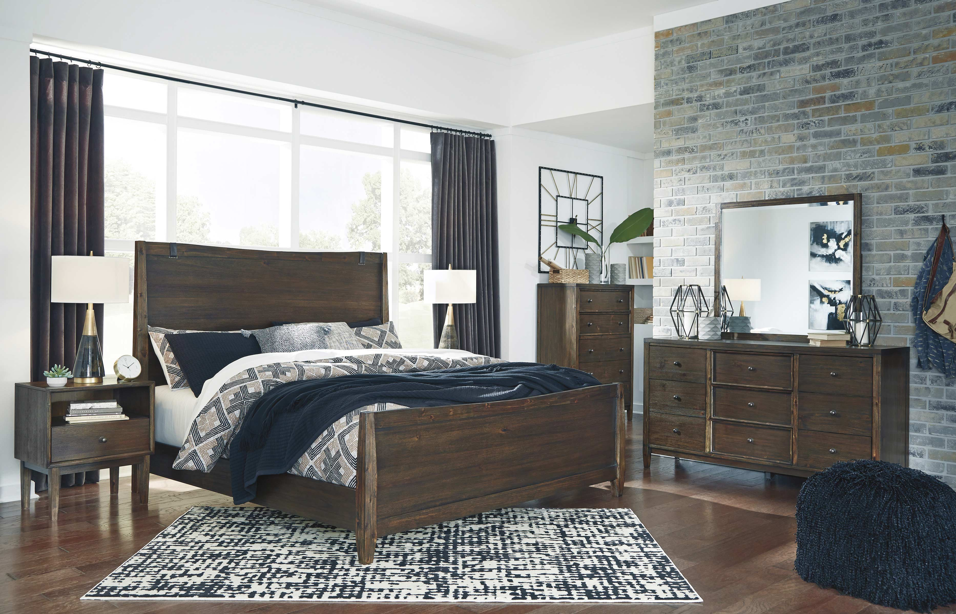 Includes Queen Bed Dresser And Mirror Amazing Buys Brashland Bedroom Set By Ashley Furniture Bedroom Sets